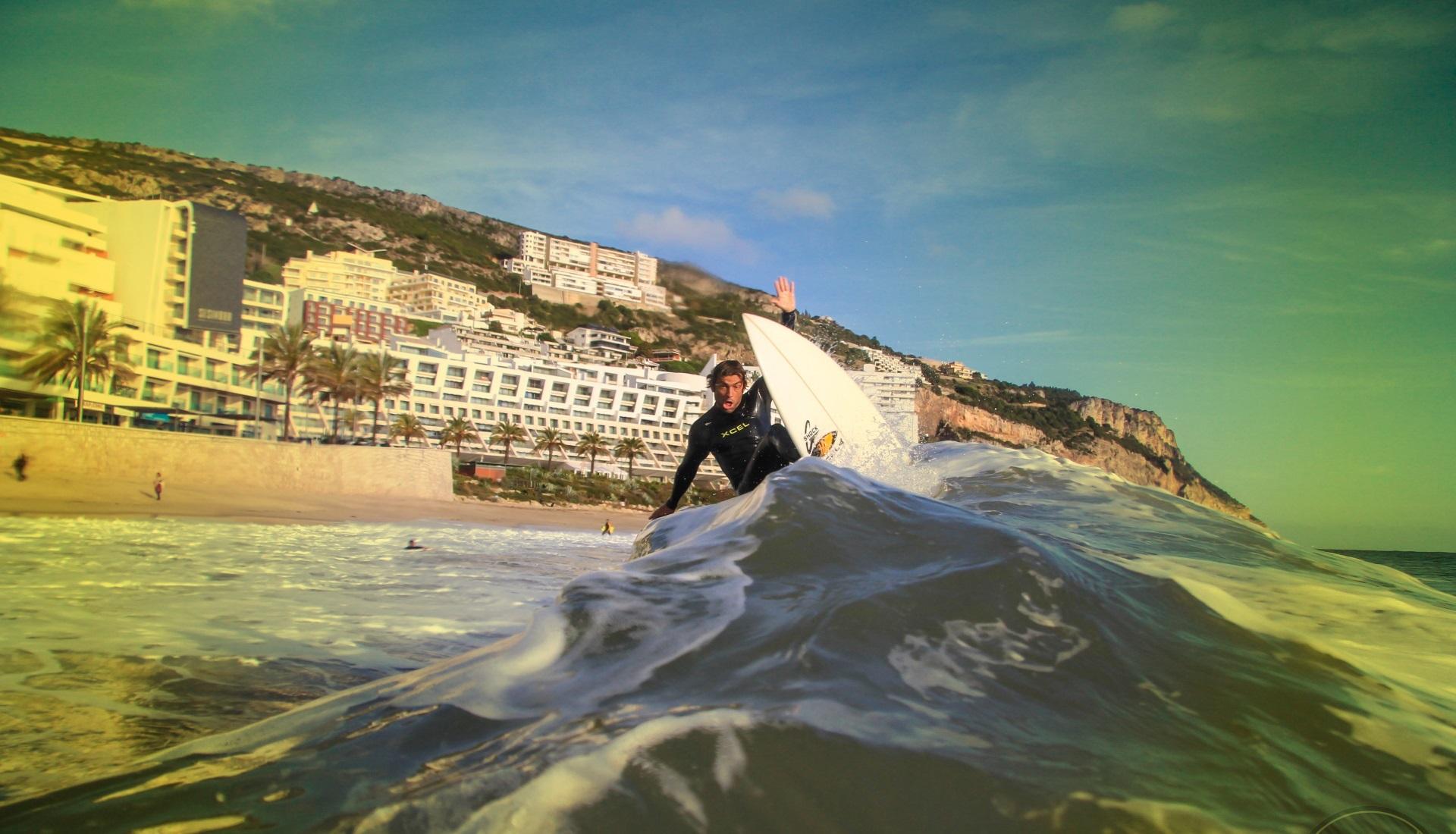 Há 10 anos a formar surfistas